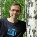 Kääntäjänä työskentelevä Pekka Kytömäki julkaisi esikoisrunoteoksensa Ei talvikunnossapitoa vuonna 2013 ja vuonna 2016 toisen runokokoelmansa Valo pilkkoo pimeää.