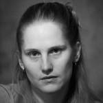 Slovakialaissyntyinen Alexandra Salmela kirjoittaa kaunokirjallisuutta sekä suomeksi että slovakiaksi ja kääntää kirjallisuutta suomesta slovakiaan. Salmela voitti esikoisteoksellaan 27 eli kuolema tekee taiteilijan (2010) Helsingin Sanomien esikoiskirjapalkinnon ja se nimettiin Finlandia-palkintoehdokkaaksi. Vuonna 2013 Salmelalta julkaistiin lastenkirja Kirahviäiti ja muita hölmöjä aikuisia, joka julkaistiin samaan aikaan sekä suomeksi että slovakiaksi. Vuonna 2015 Salmelalta julkaistiin antitarinaksi kuvailtu teos Antisankari.